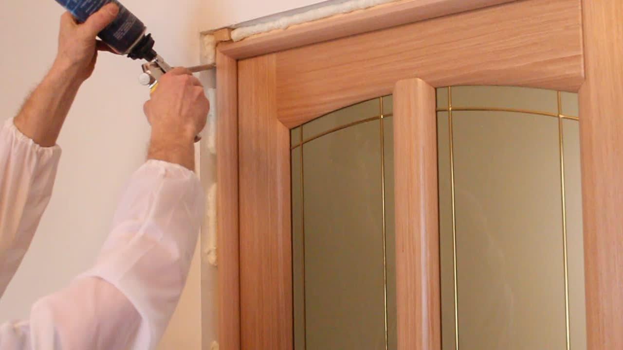 Установка дверей своими руками видео смотреть