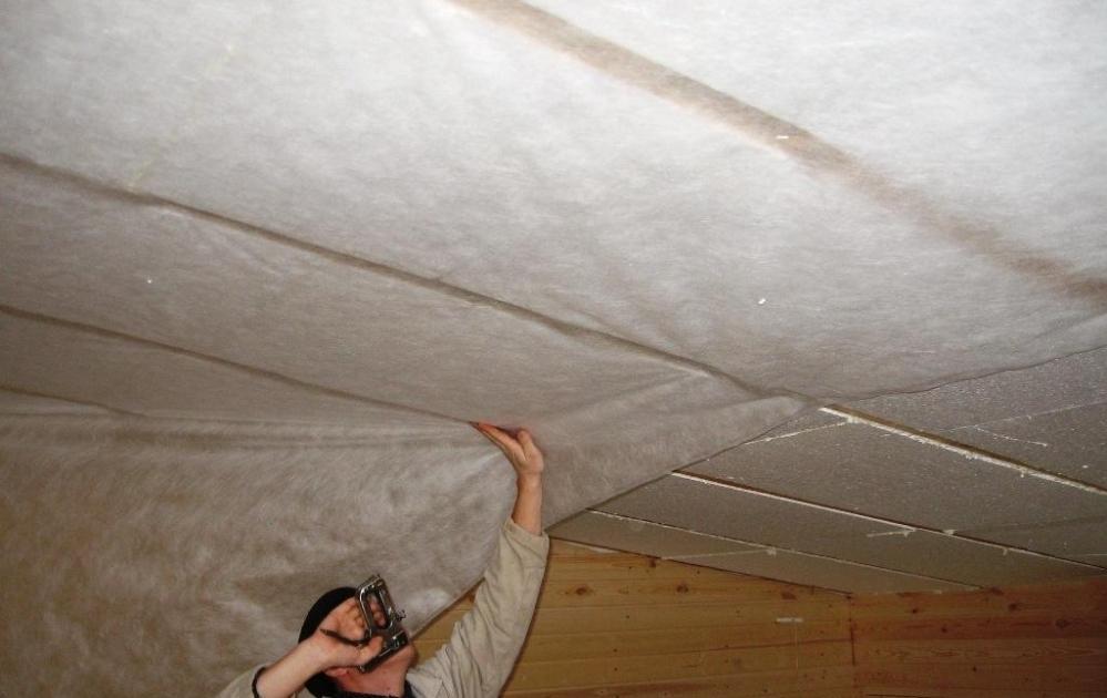 Как утеплить потолок в частном доме