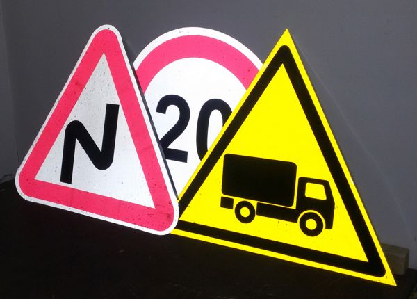 Изготовление дорожных знаков фото3