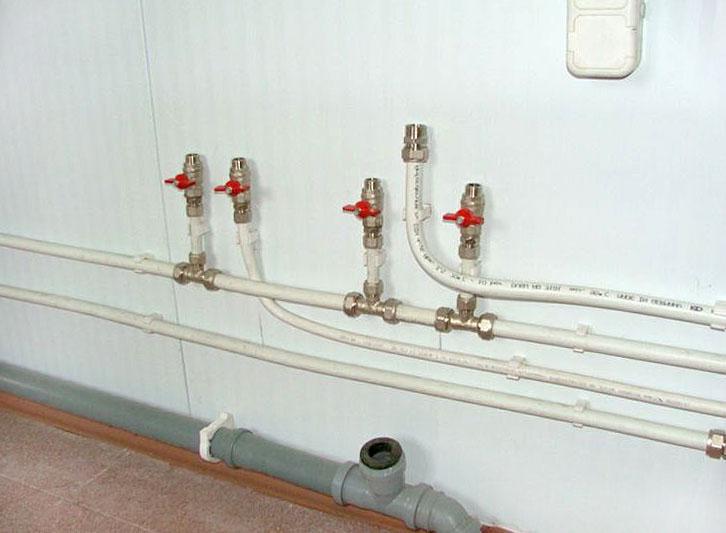 Водопровод из металлопластиковых труб фото