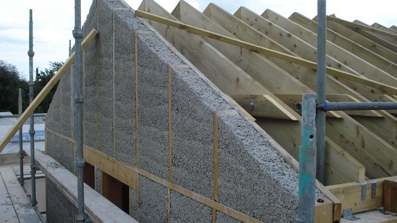 Монолитная стена из опилкобетона фото