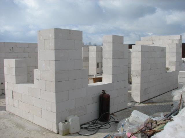 Кладка блоков из ячеистого бетона фото4