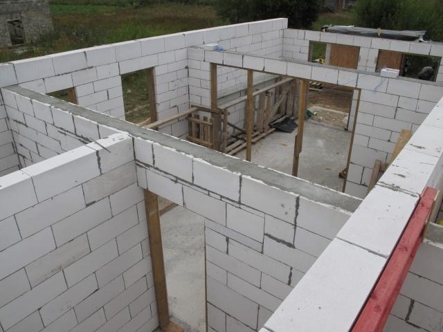 Кладка блоков из ячеистого бетона фото5