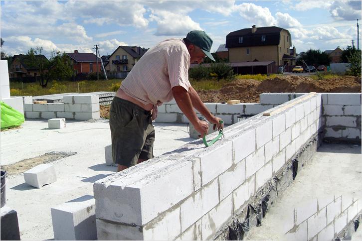 Кладка блоков из ячеистого бетона фото3