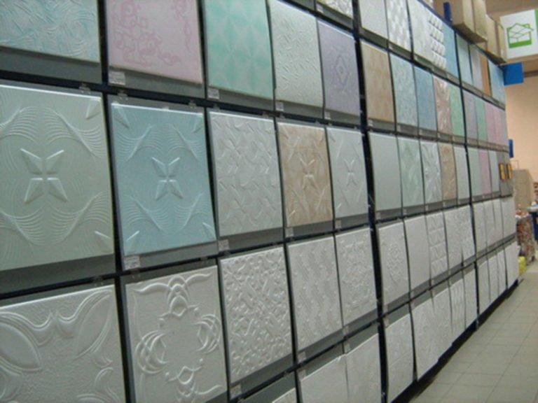 Облицовка потолка ванной пенополистирольной плиткой фото